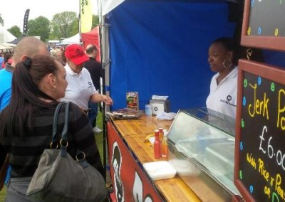 Roti_Kitchen_-_stall_-_Natalie_and_customers